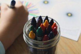 crayons-1445054_640-300x200